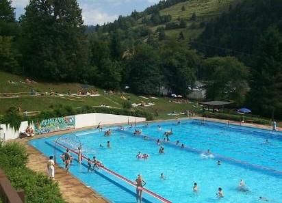 Schwimmbad zell im wiesental